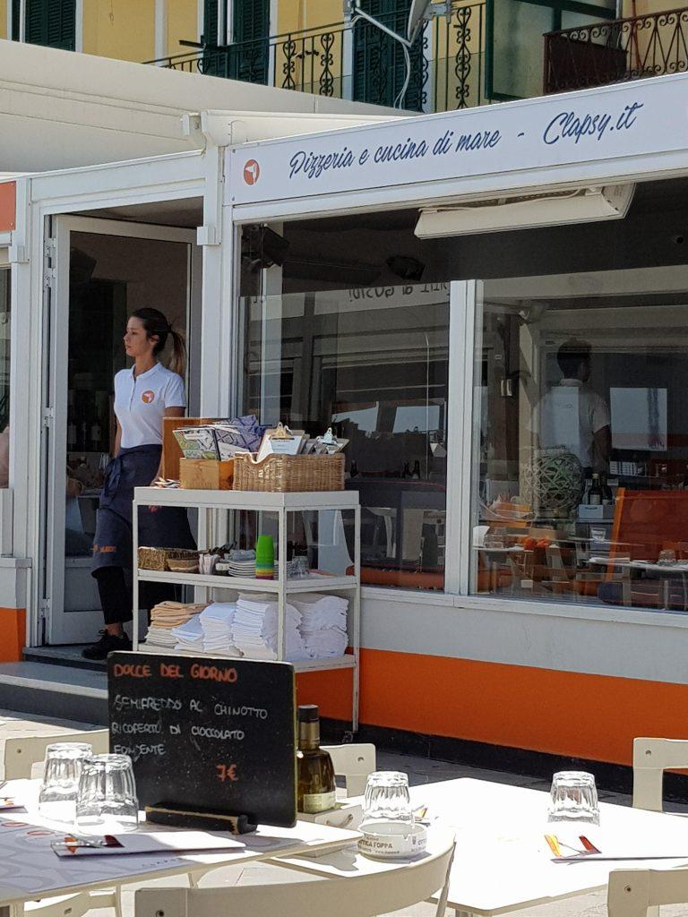 Clapsy (Ristorante & Pizzeria sul mare di Alassio) (restaurant aan strand)