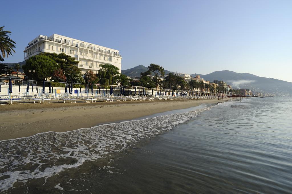 Grand Hotel Mediterrannee, Alassio, bloemenrivièra, Italië**** (8.3) Strandhotel, huisdieren toegestaan, wellnesscentrum (spa)