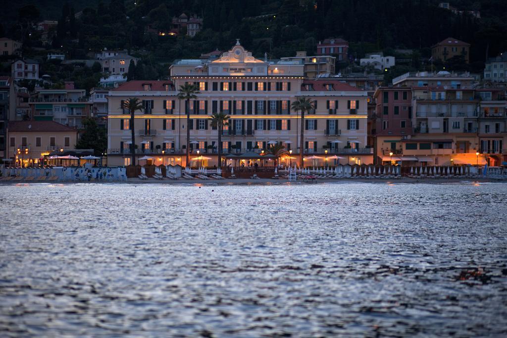 Grand Hotel Alassio resort & spa, bloemenrivièra, Ligurië, Italië by night ****** (vijf sterren strandhotel Alassio, Italiaanse Rivièra) www.alassio.nl