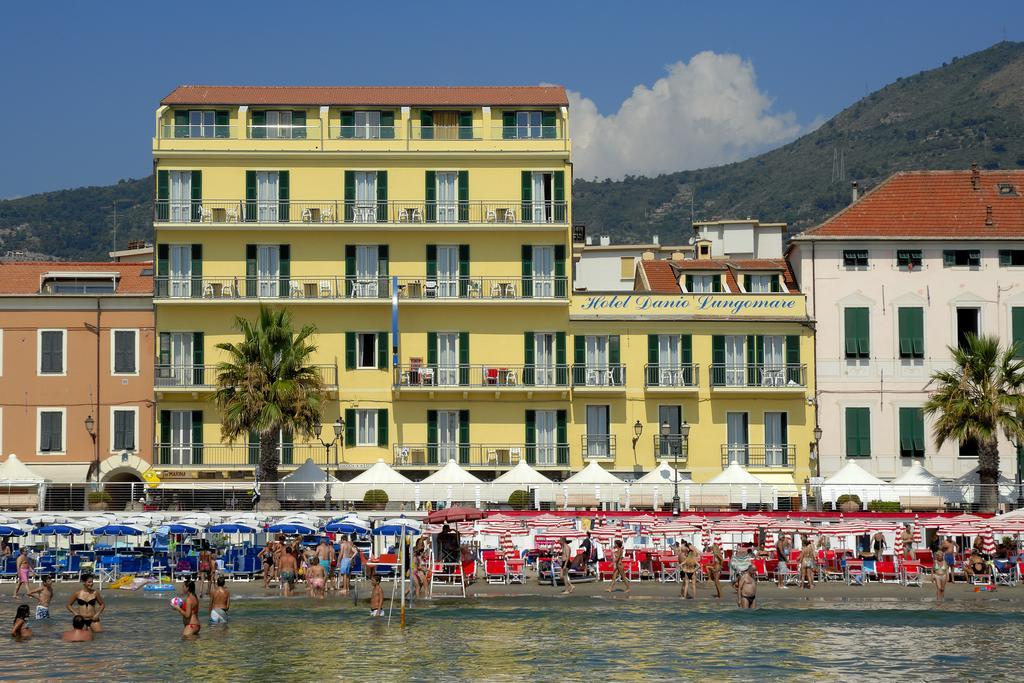 Hotel Danio Lungomare, Alassio, Italië *** (Alassio strandhotel) www.alassio.nl