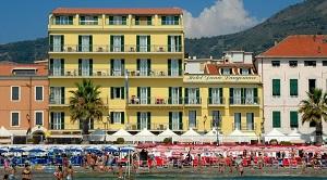 Hotel Danio Lungomare, Alassio, bloemenriviera, Italië
