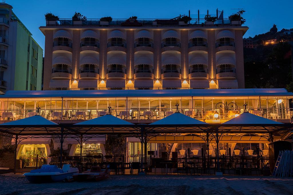 Hotel Regina, Alassio, Italië (Italiaanse Rivièra, strandhotel Alassio) www.alassio.nl
