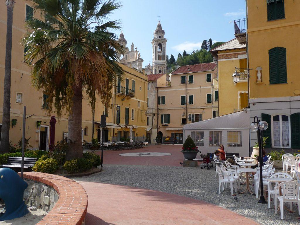 Laigueglia bloemenrivièra Ligurië Italië