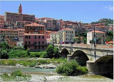 Ventimiglia, Italiaanse Rivièra, Ligurië, Italië  www.alassio.nl